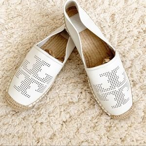 Tory Burch White Perforated Logo Flat NWOT 10.5